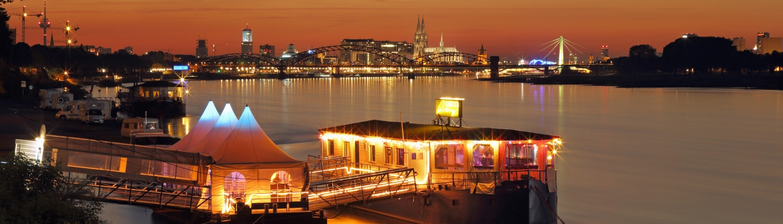 Weihnachtsfeier Schiff Köln.Rhein Roxy Das Party Und Eventschiff Nr 1 In Köln